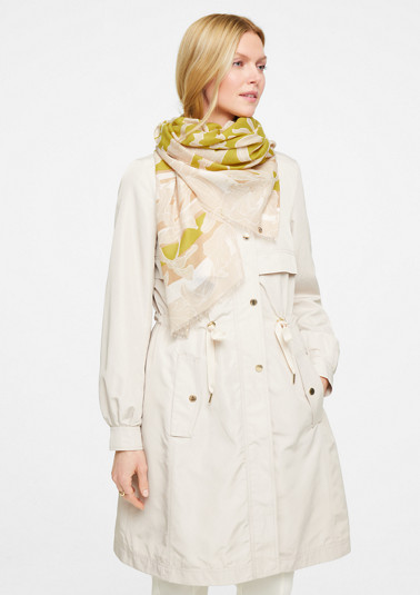 Scarf with an all-over floral print from comma