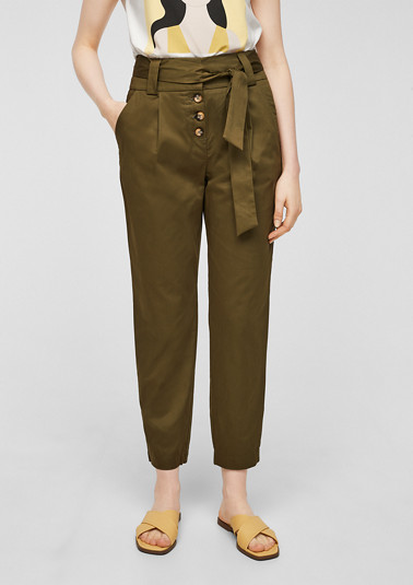 Paper bag trousers with a button placket from comma