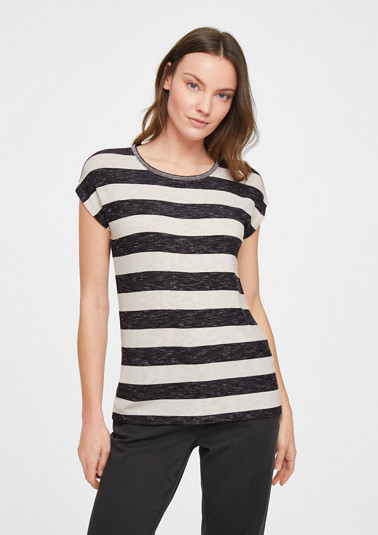 Striped top with a decorative collar from comma