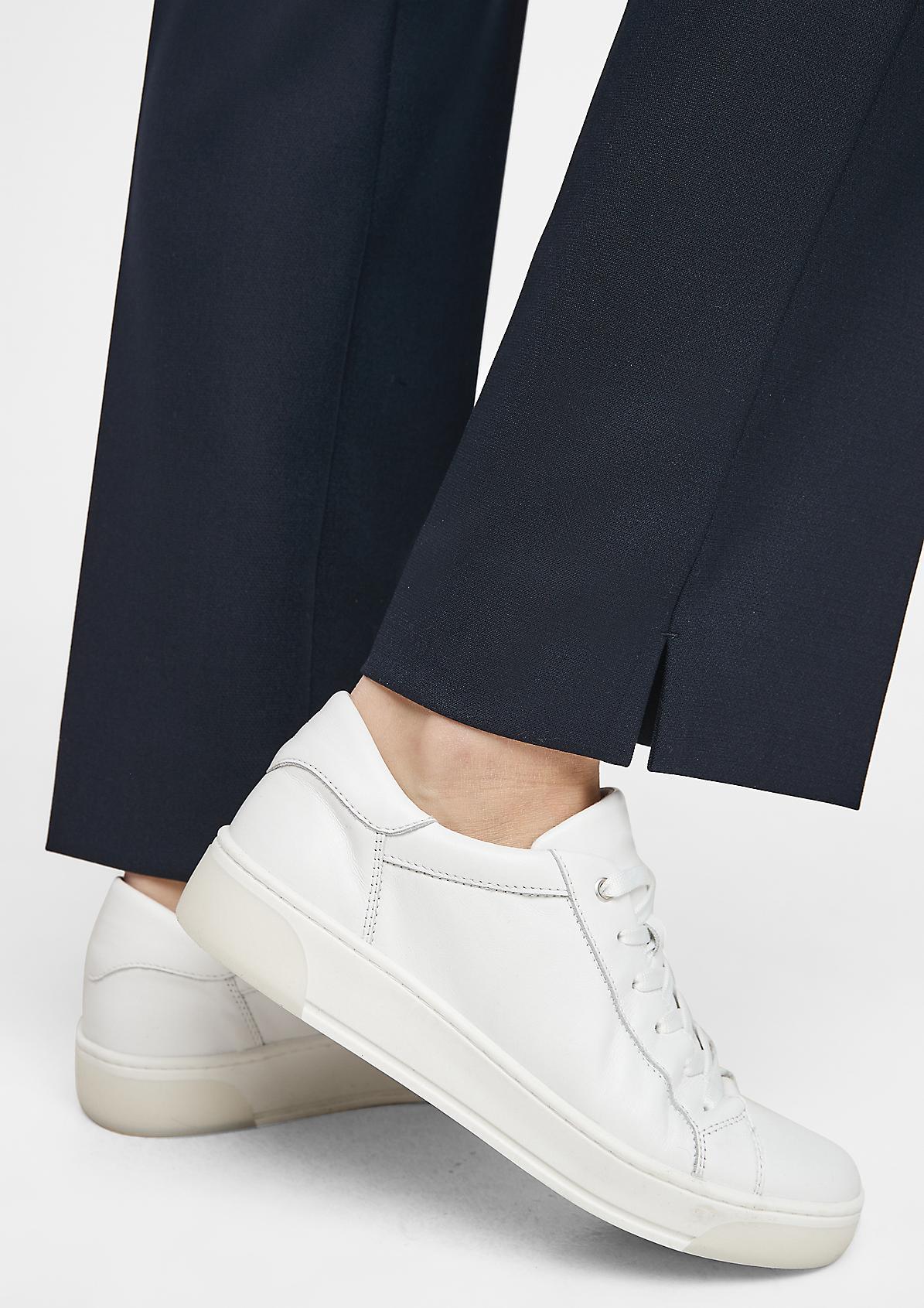 Stretchige Hose mit Straight Leg