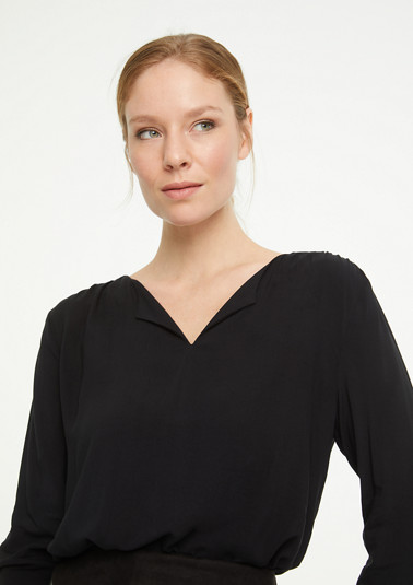 Blouse with notch neckline from comma