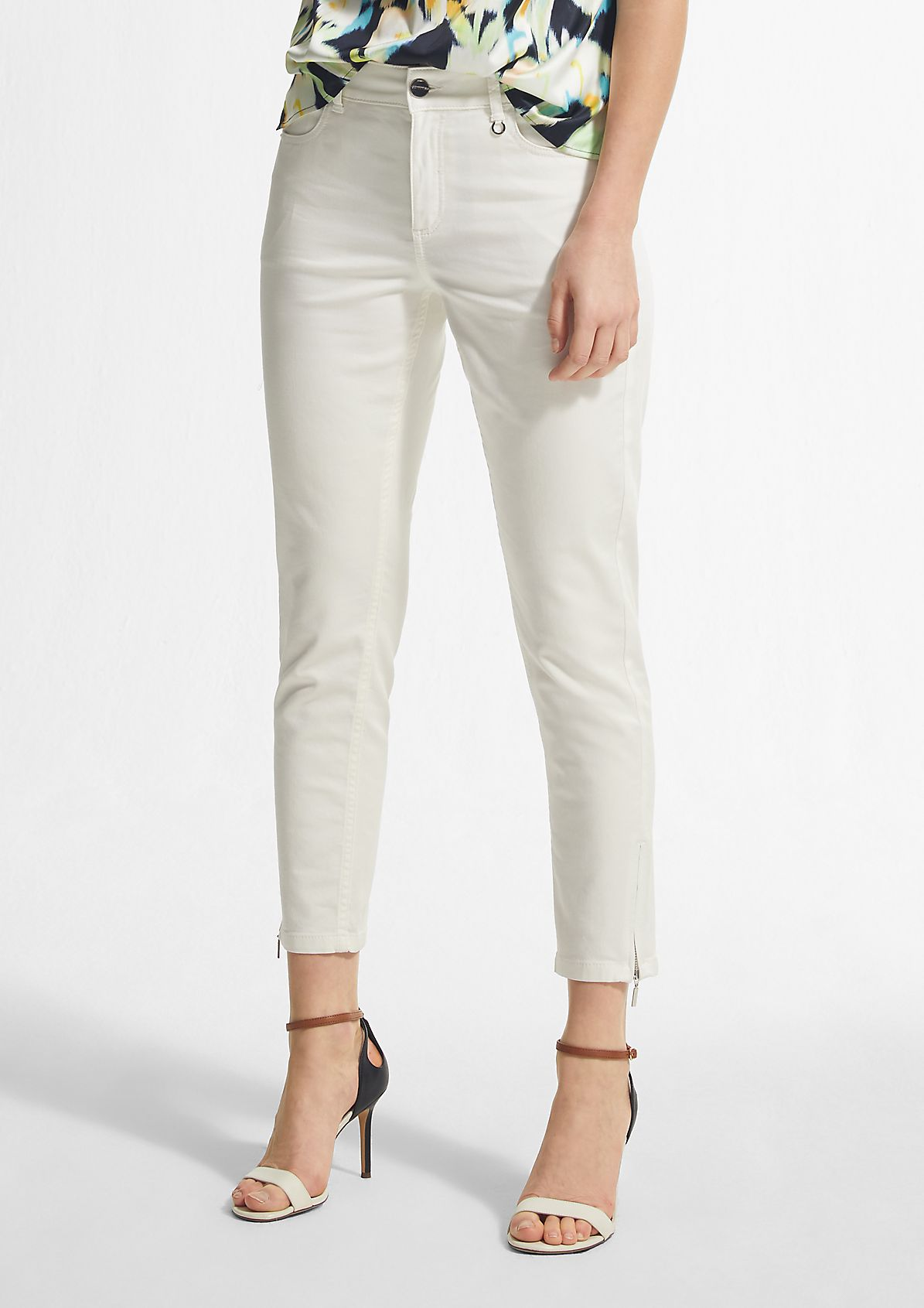 Slim Fit: Jeans aus Colored Denim