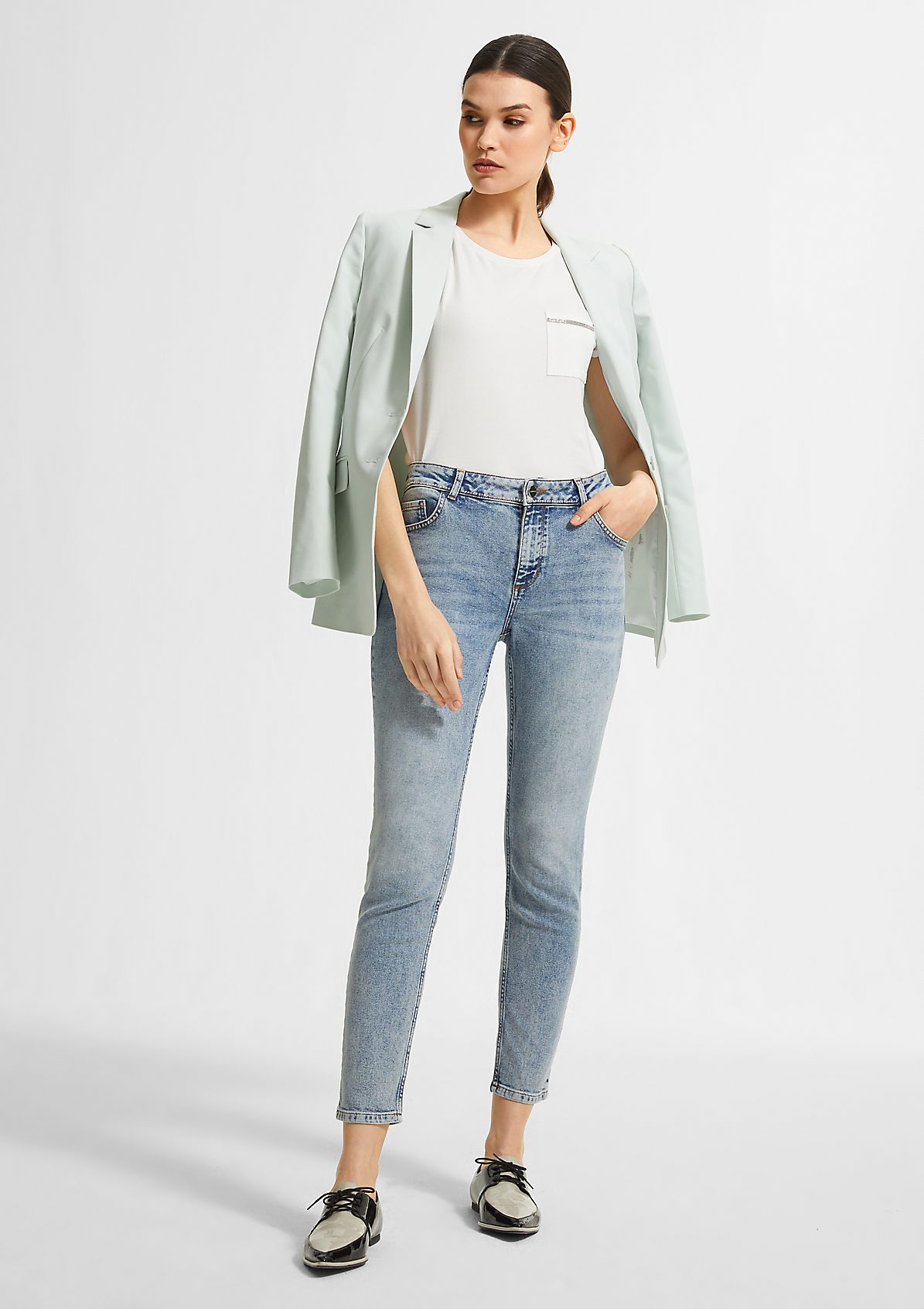 Blended modal top with a breast pocket from comma