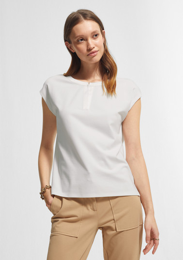 Top with a satin trim from comma