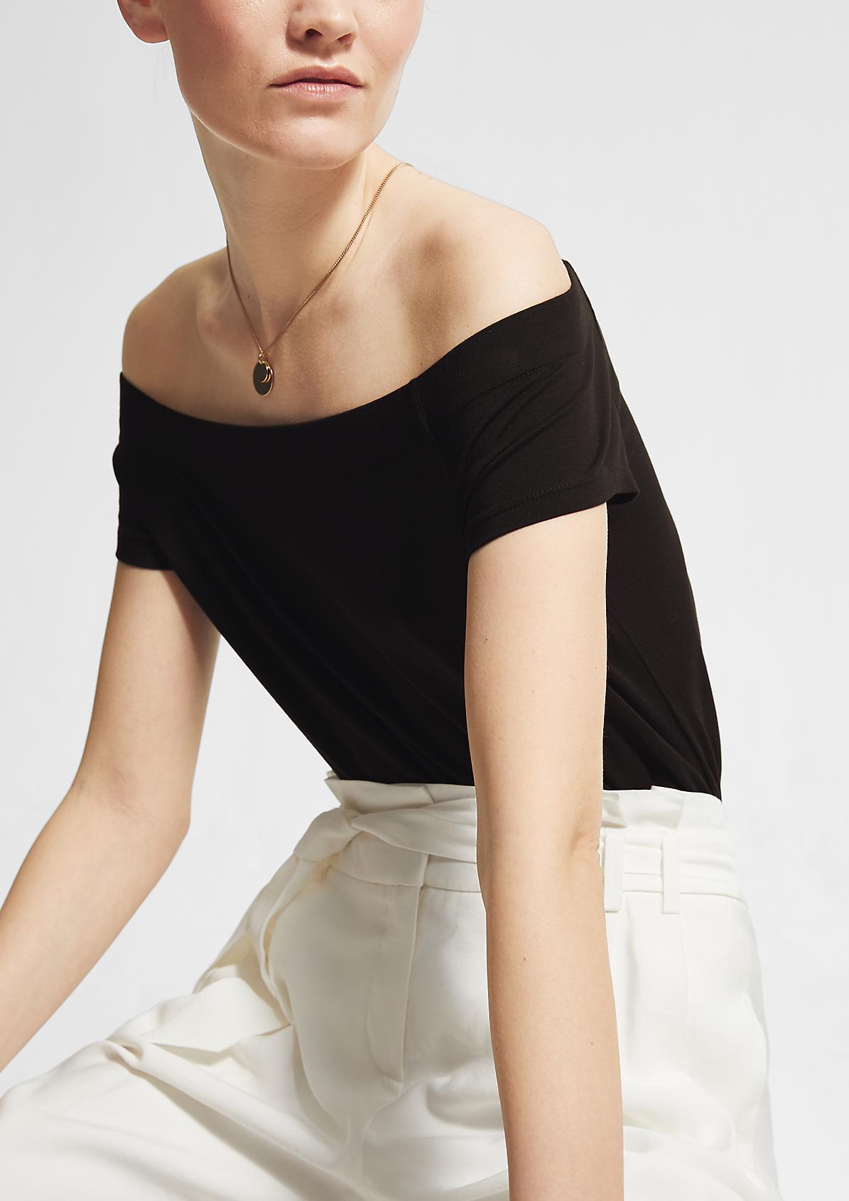 Schulterfreies Shirt aus Modalmix