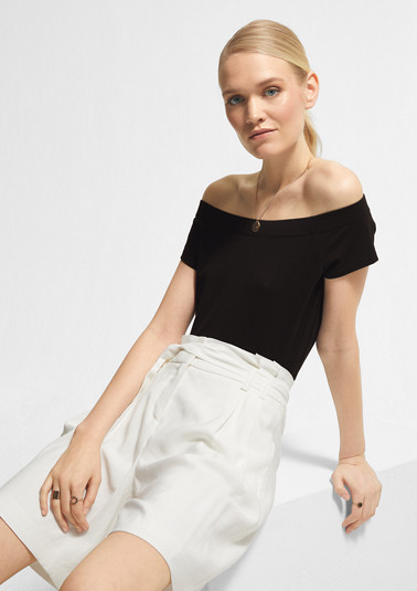 Off-the-shoulder top in a modal blend from comma