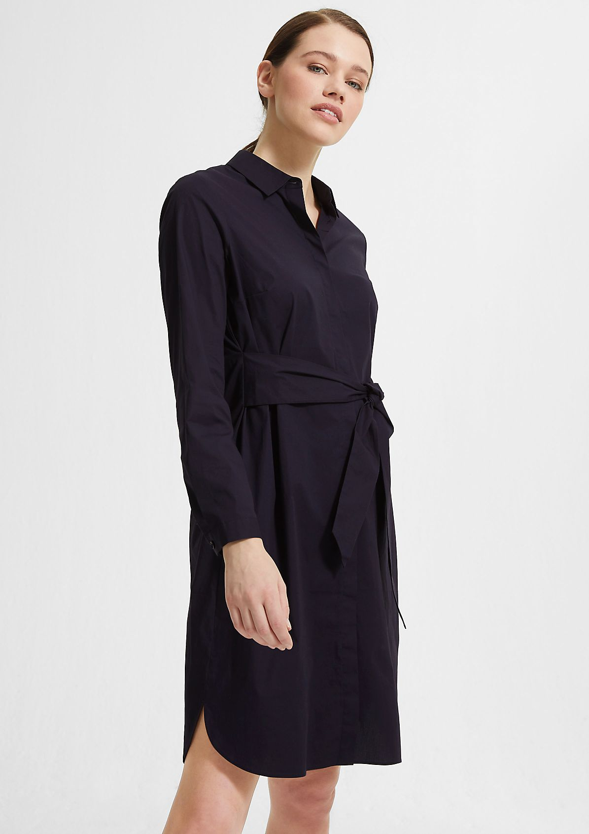 Poplin dress with a tie-around belt from comma