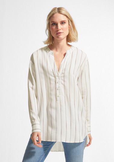 Tunic blouse made of flowing fabric from comma