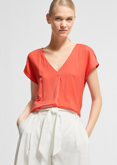 Loose-fitting blouse with a V-neckline from comma