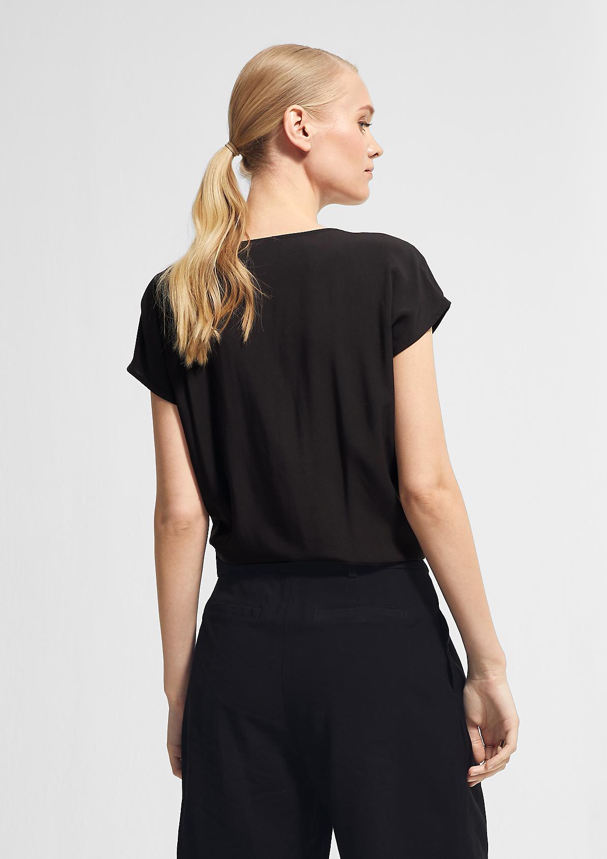 Lockere Bluse mit V-Ausschnitt