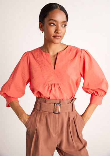Blouse top with a textured pattern from comma