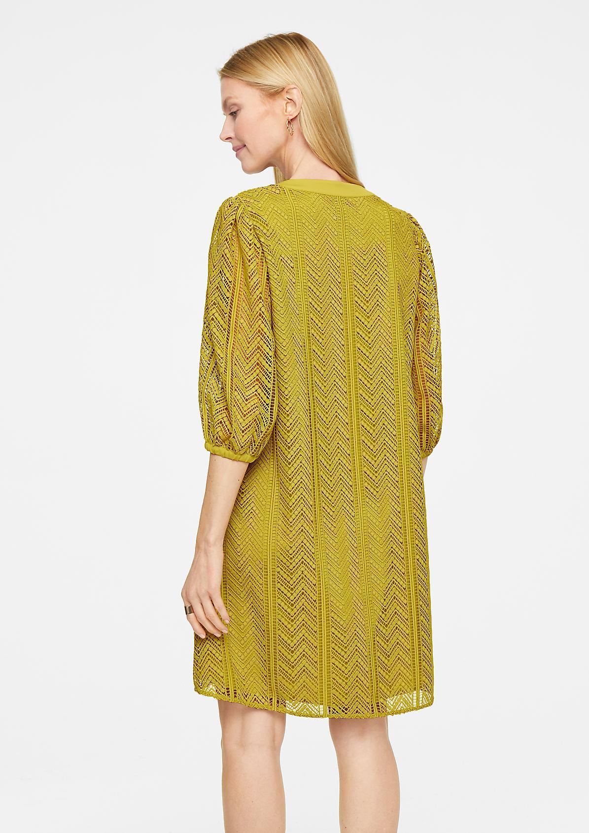 Kleid mit grafischer Spitze