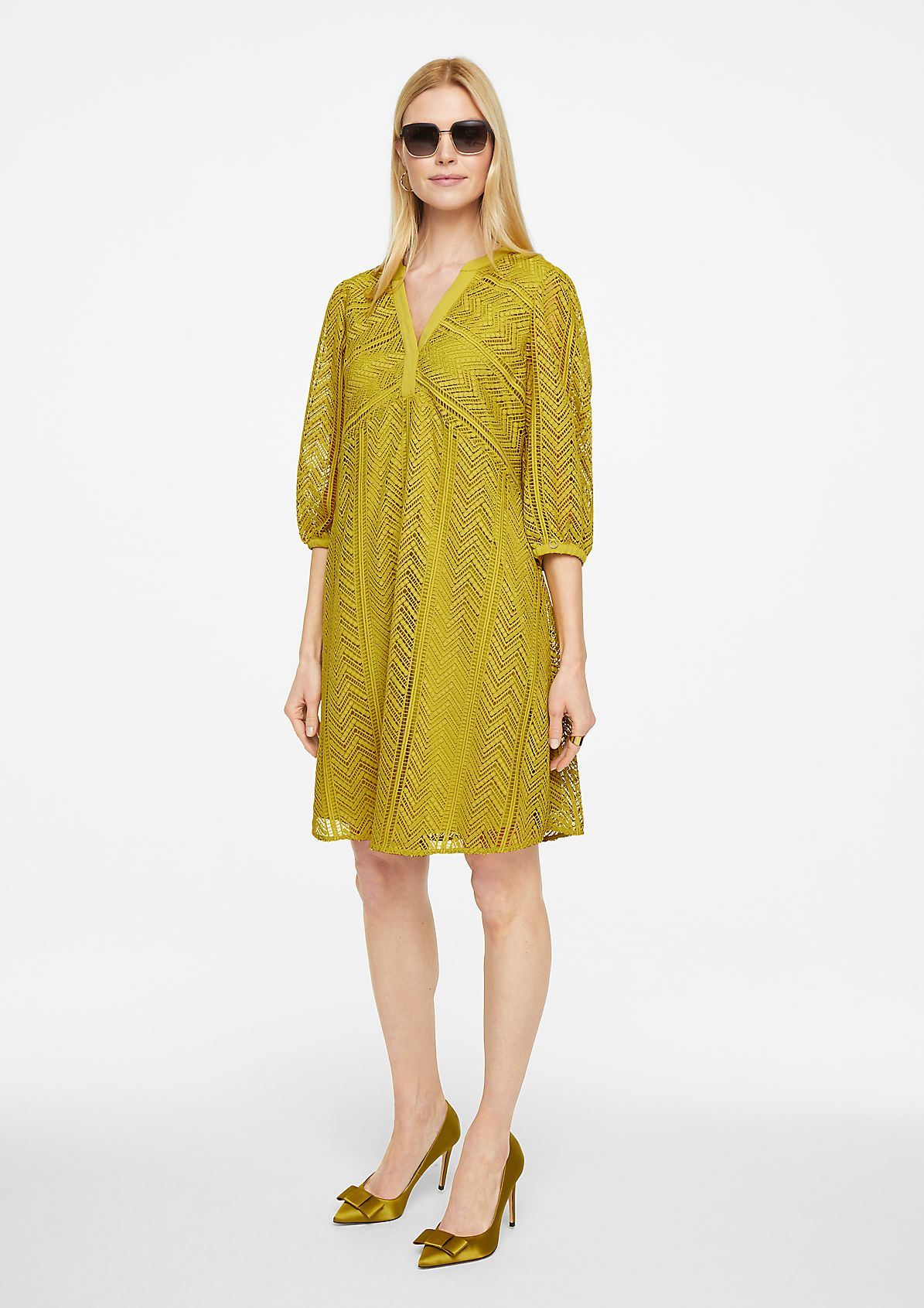 Dress with graphic lace from comma
