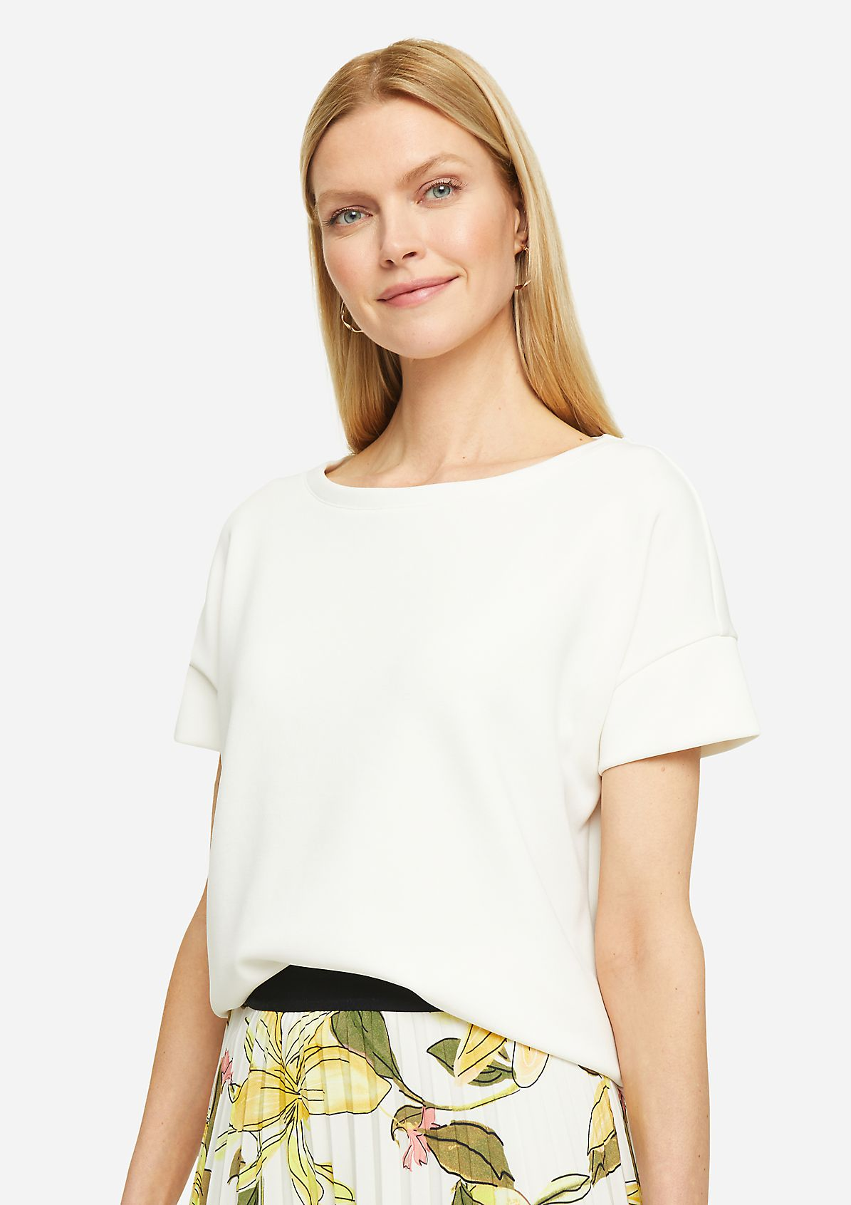 Sweatshirt with a bateau neckline from comma