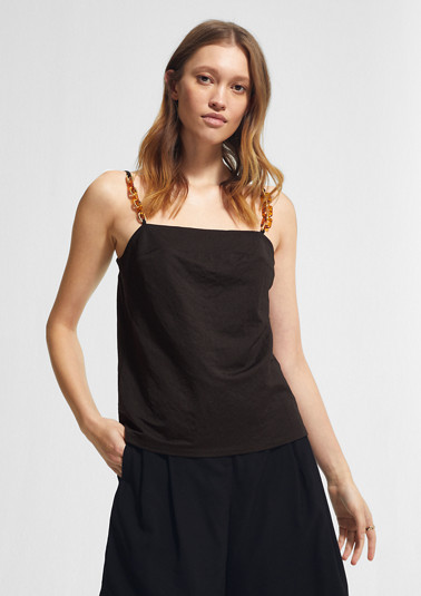 Top with a chain detail from comma