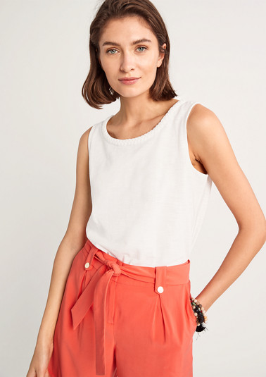Top with a braided trim from comma