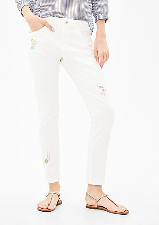 Casual Boyfriend: embroidered jeans from s.Oliver