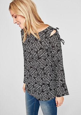 Bluzna majica z izrezanimi deli