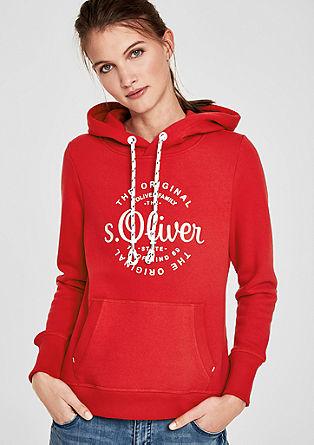 Pulover s kapuco s kovinskim logotipom