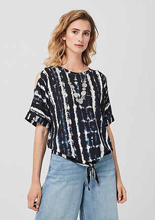 Cold shoulder shirt met batikprint