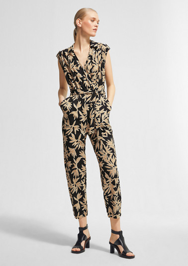 Jumpsuit with a cache-coeur neckline from comma