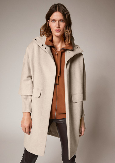 Viscose blend coat from comma