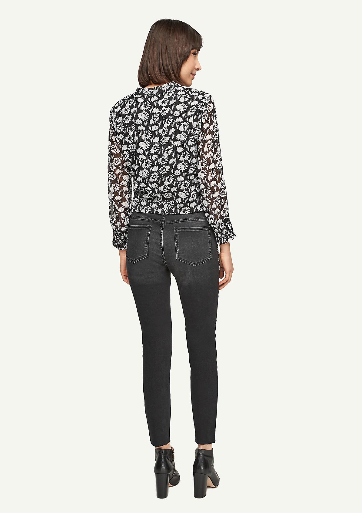 Slim Fit: Jeans mit Nieten-Detail
