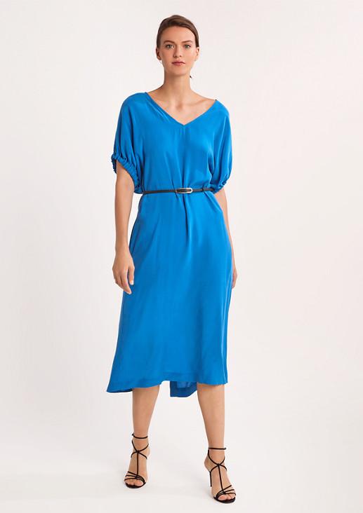 Tailliertes Kleid aus Cupromix