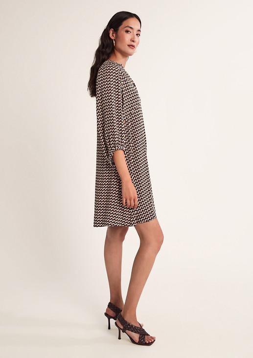 Kurzes Kleid mit Allovermuster