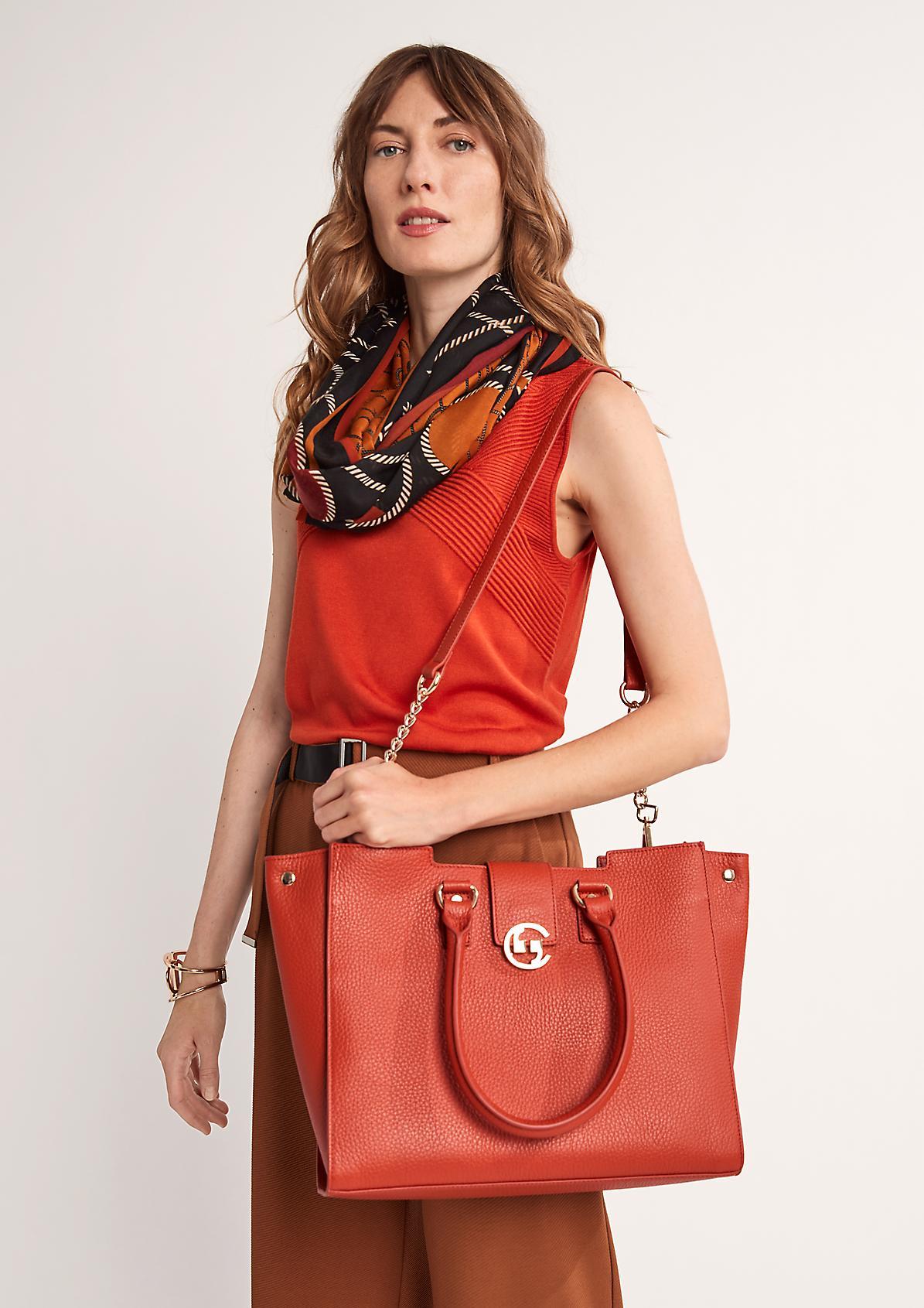 Tasche mit Schulterriemen