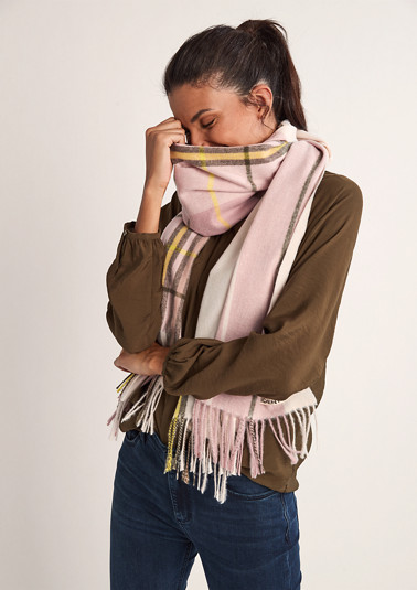 Scarf with check pattern from comma