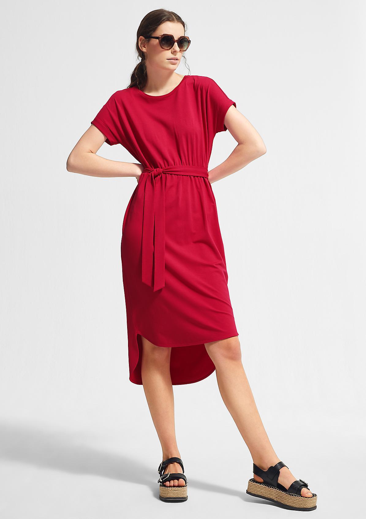 Jerseykleid mit Bindegürtel