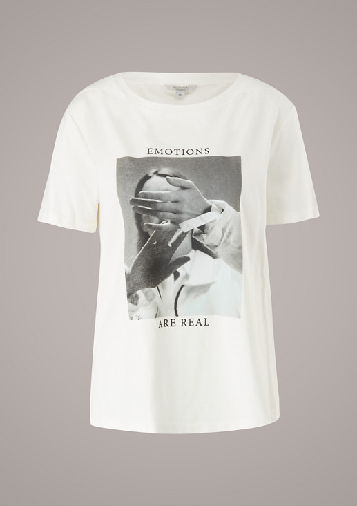 T-shirt with a photo print from comma