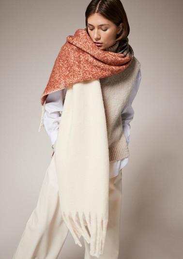Kuscheliger Schal mit Logo