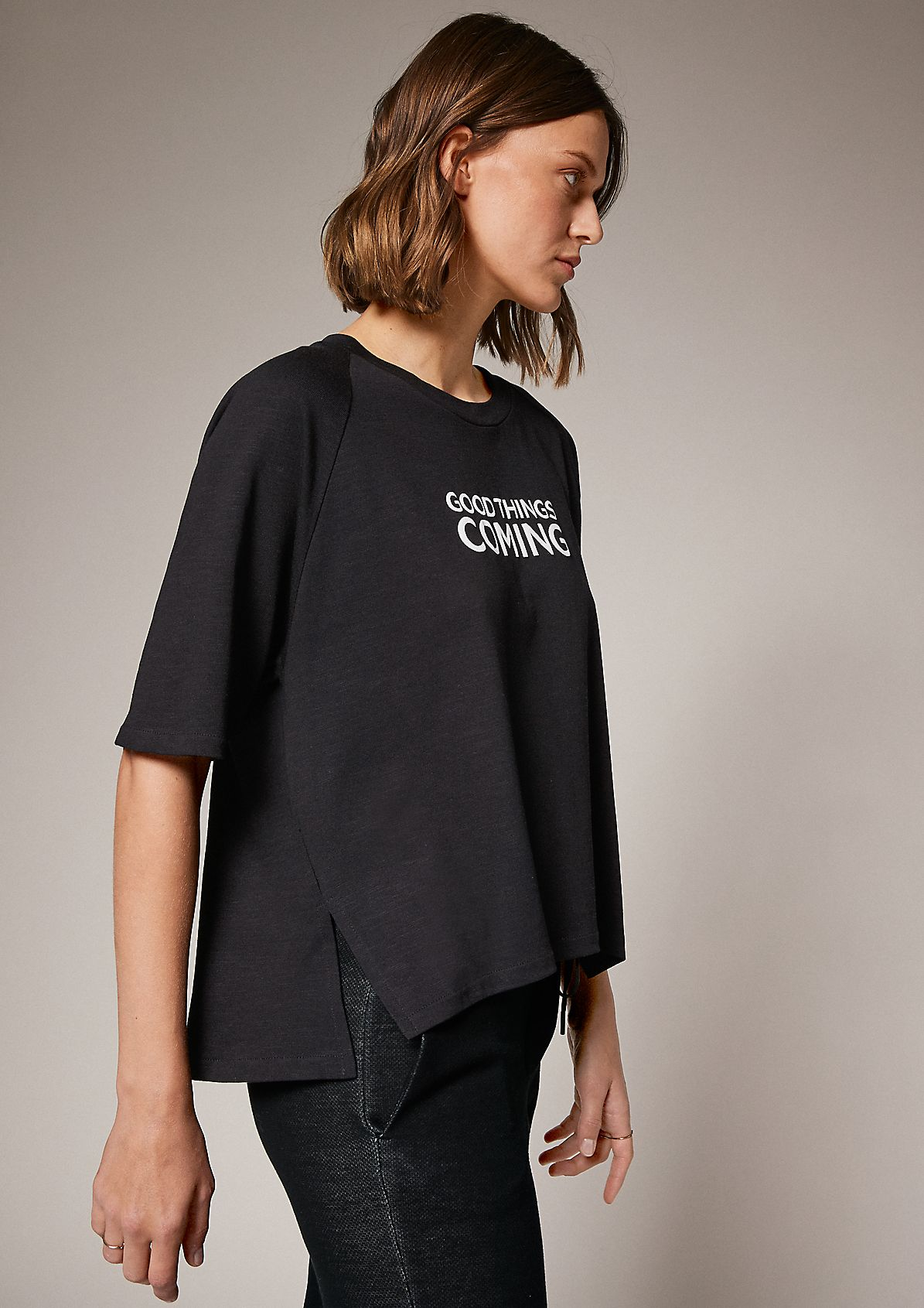 T-shirt with printed lettering from comma