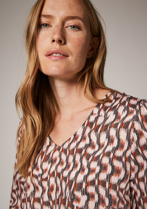 V-neck blouse in viscose from comma