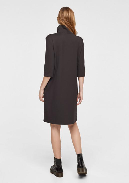 Jerseykleid mit Stehkragen
