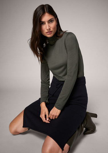 Modal blend top from comma