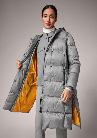 Langer Mantel mit Rippkragen