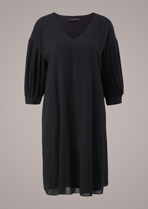 Kleid mit Plisseeärmeln