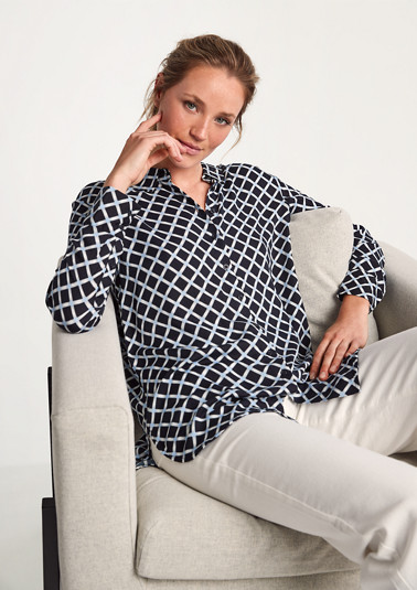 Patterned viscose blouse from comma