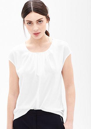 Bluzna majica z zanimivim izrezom