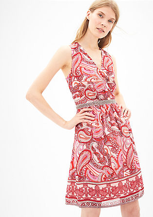 Obleka iz šifona z vezenino