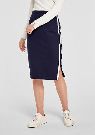 Strečová sukně sbílými proužky