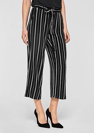 Splývavá kalhotová sukně s proužky