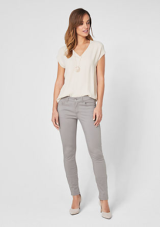 Sienna Slim: cropped satin trousers from s.Oliver
