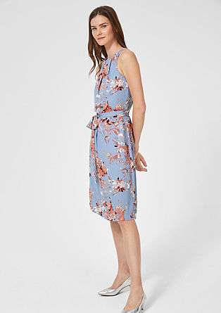 Figure-flattering crêpe dress from s.Oliver