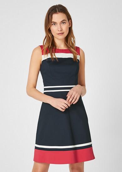 Obleka iz satena z barvnimi bloki