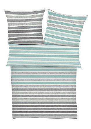 Makosatenasta posteljnina s črtami