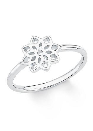Srebrn prstan s cvetlico